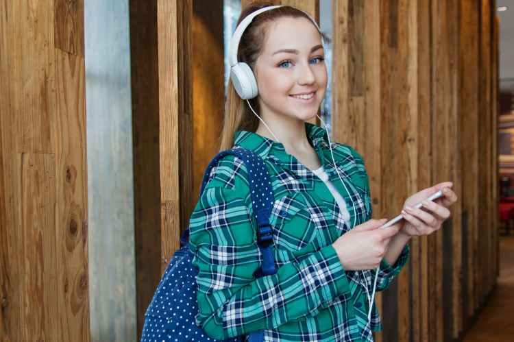 16 Katelyn Runck Body Measurement - Celeb Body Measurement